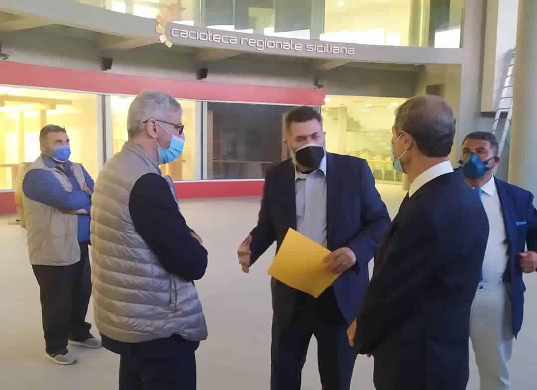Musumeci visita il Corfilac di Ragusa: si lavorerà al rilancio della Cacioteca Regionale – FOTO