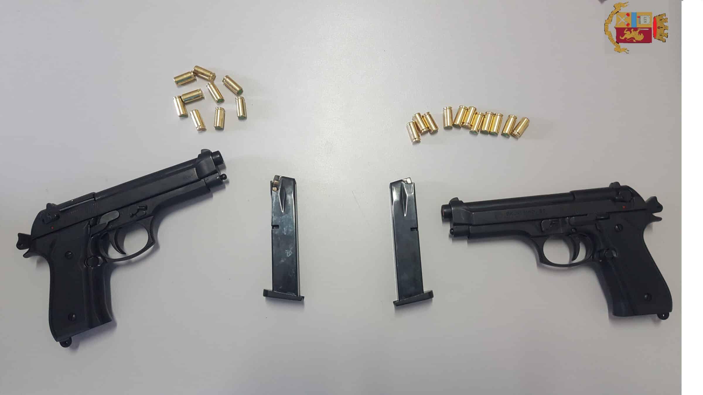 Colpi di pistola nel Catanese, esplose 24 munizioni a salve: denunciati due giovani, uno è minorenne