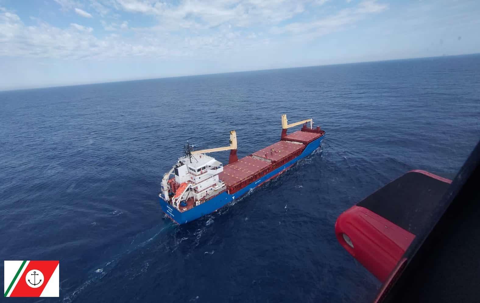 Infarto a bordo della nave, marittimo russo soccorso dalla Guardia Costiera di Catania