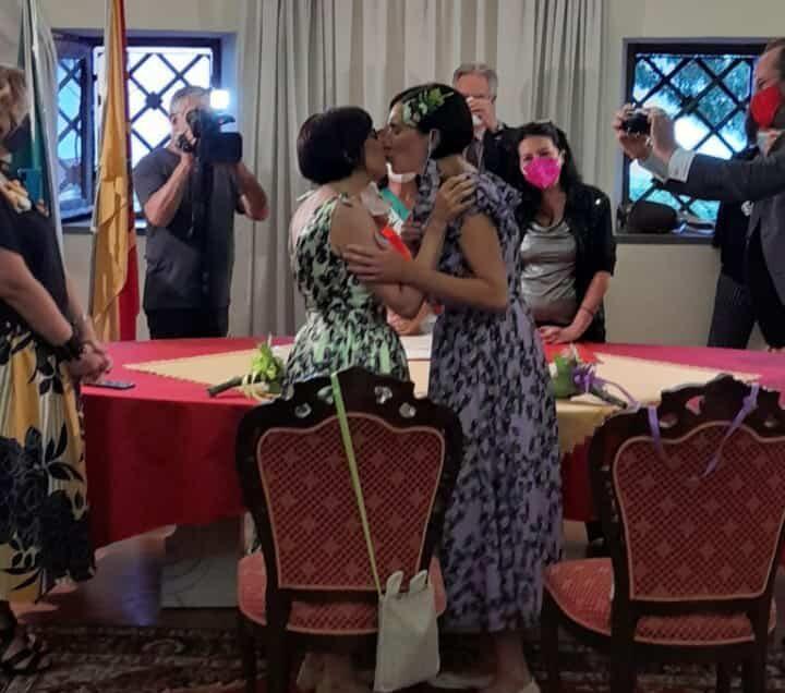 """""""Compagne per sempre"""", Santina Arena e Chiara Platania unite in matrimonio ad Acireale"""