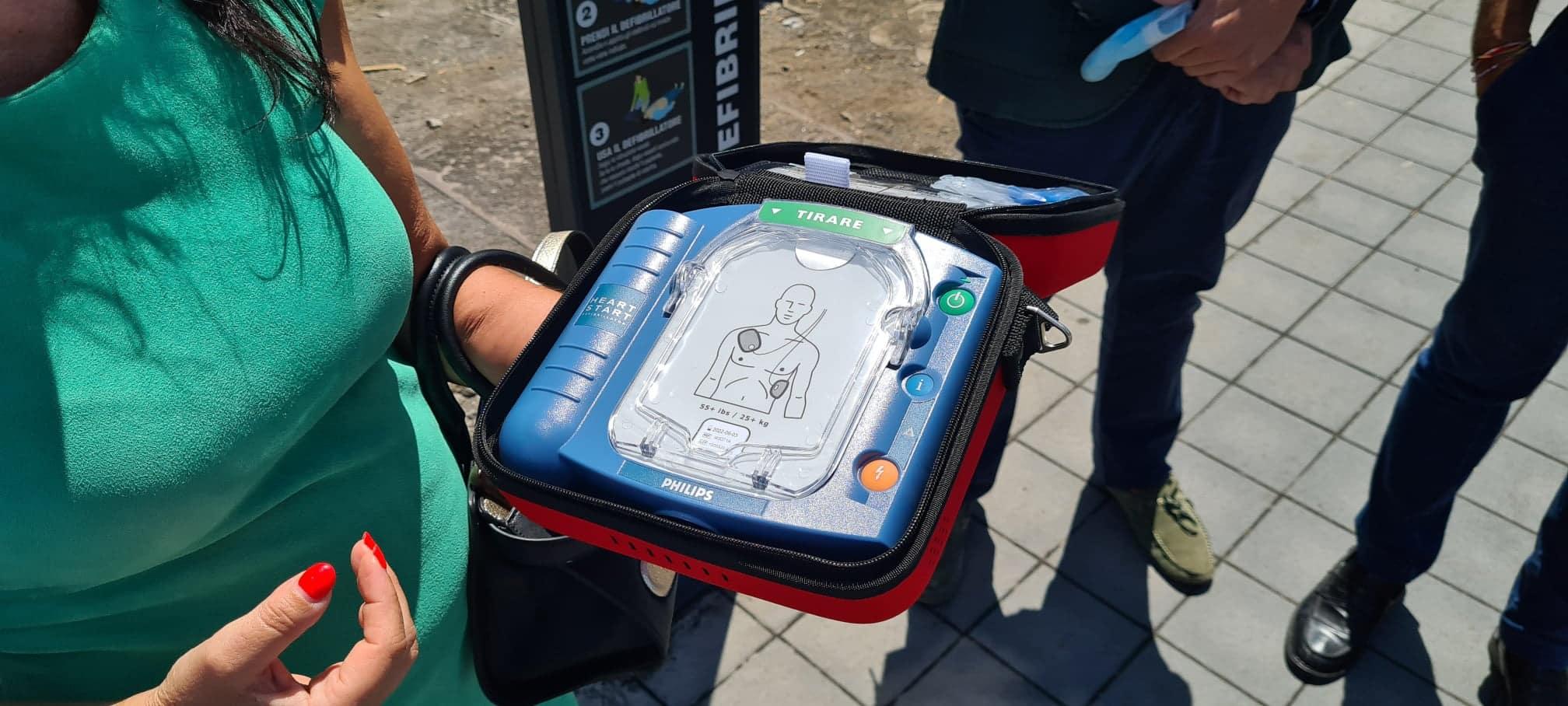 Catania, in piazza Europa rubato il defibrillatore donato appena 5 giorni fa