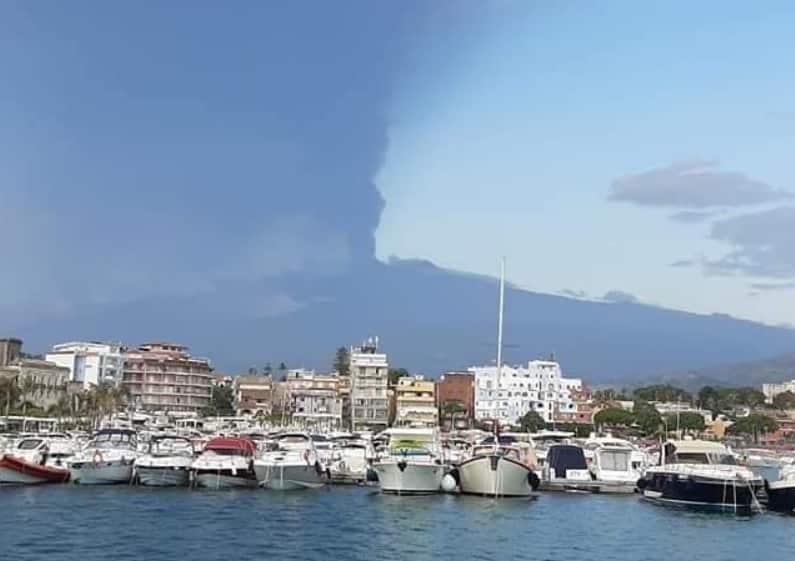 """Etna, conclusa l'ennesima eruzione. L'Ingv: """"Attività stromboliana finita, colata lavica non più alimentata"""""""