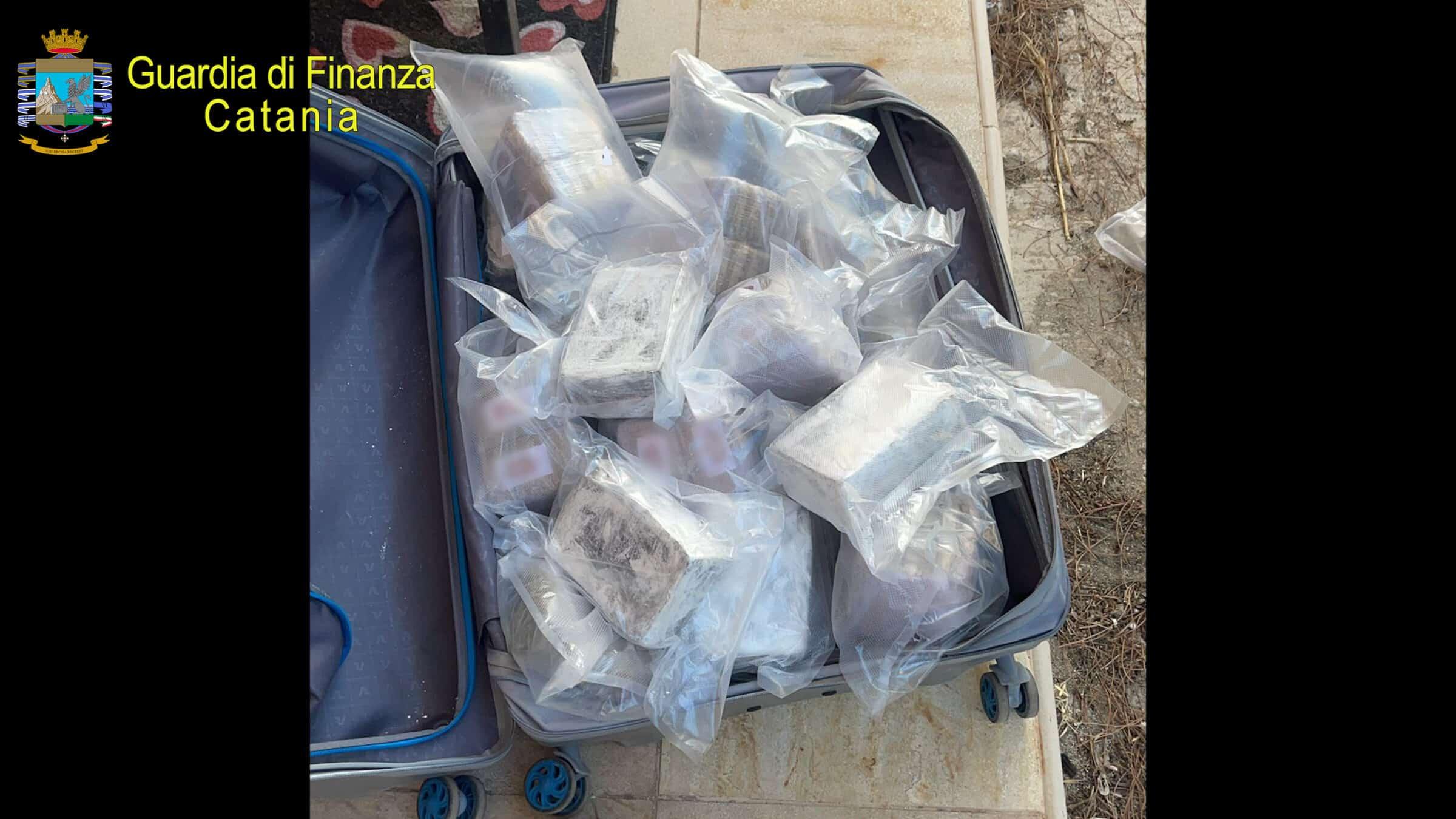 Traffico internazionale di droga, hashish e cocaina dalla Spagna alla Sicilia: 3 arresti