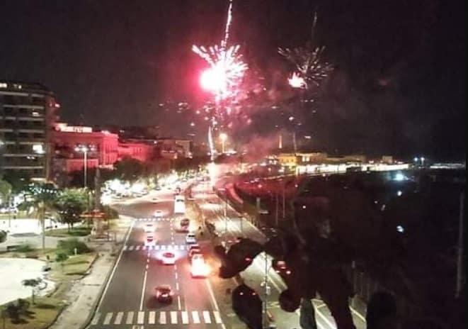 """""""Mentre Catania brucia si sparano fuochi d'artificio"""", impazza la polemica social: """"È lo specchio della città"""""""