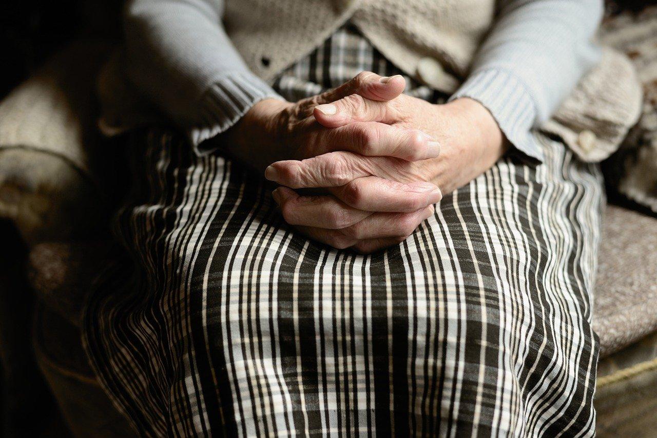 Oggi la prima Giornata mondiale dei nonni e degli anziani, voluta da Papa Francesco