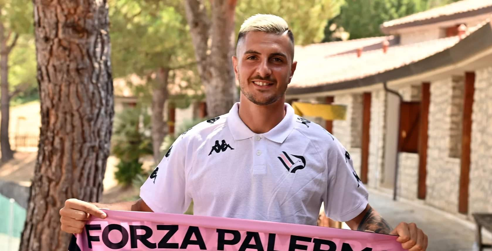 Colpaccio in attacco per il Palermo, preso Giuseppe Fella: arriva in prestito con diritto di riscatto