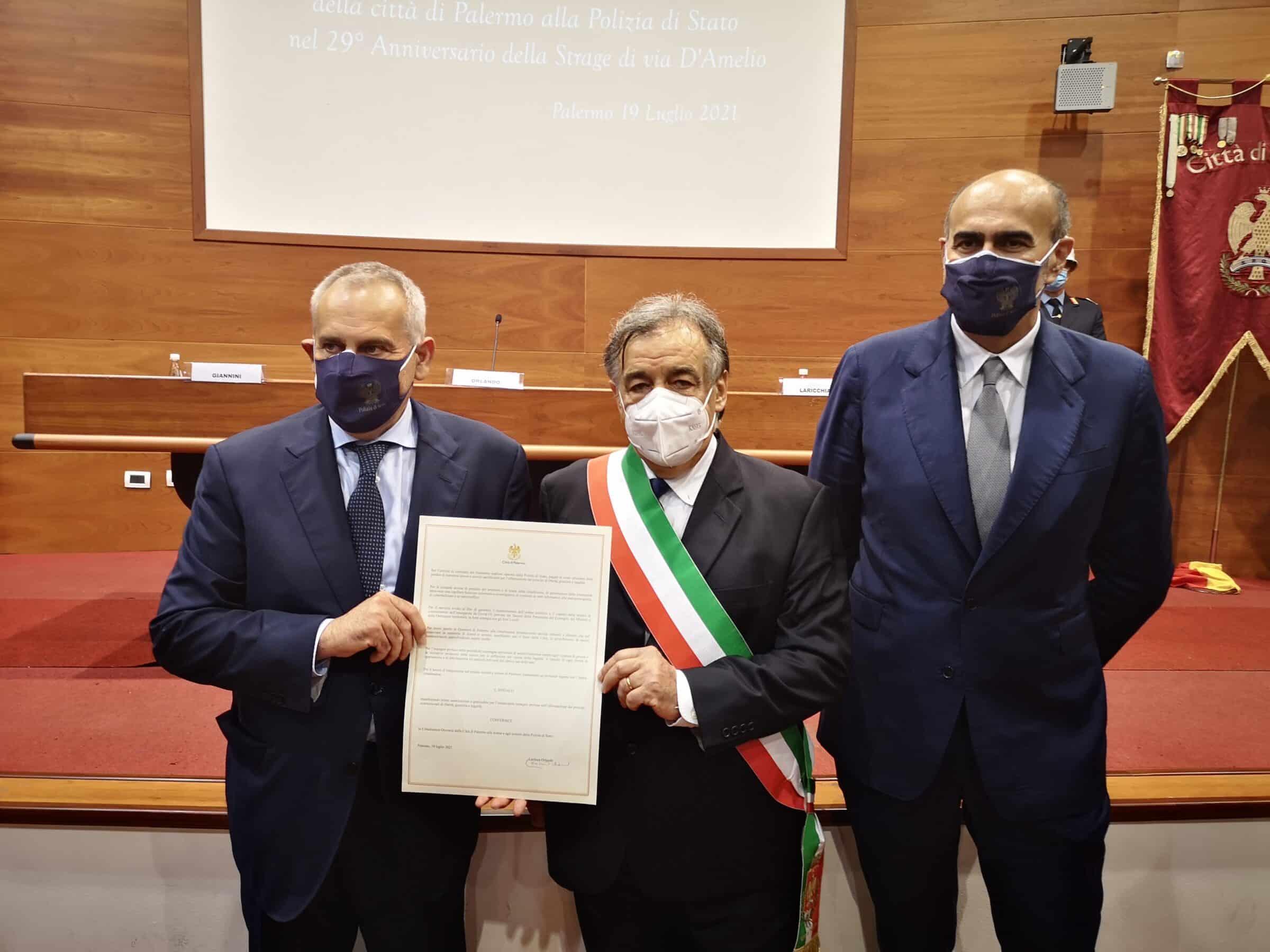 """Palermo, conferita la cittadinanza onoraria alla Polizia di Stato: """"Grazie a chi mette a rischio propria vita"""""""