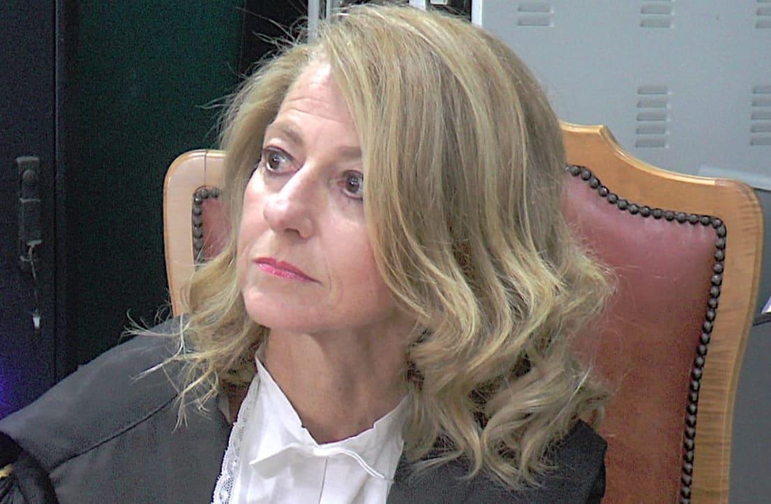 Intimidazione al procuratore di Siracusa Sabrina Gambino, ignoti irrompono in casa e causano danni: indagini in corso