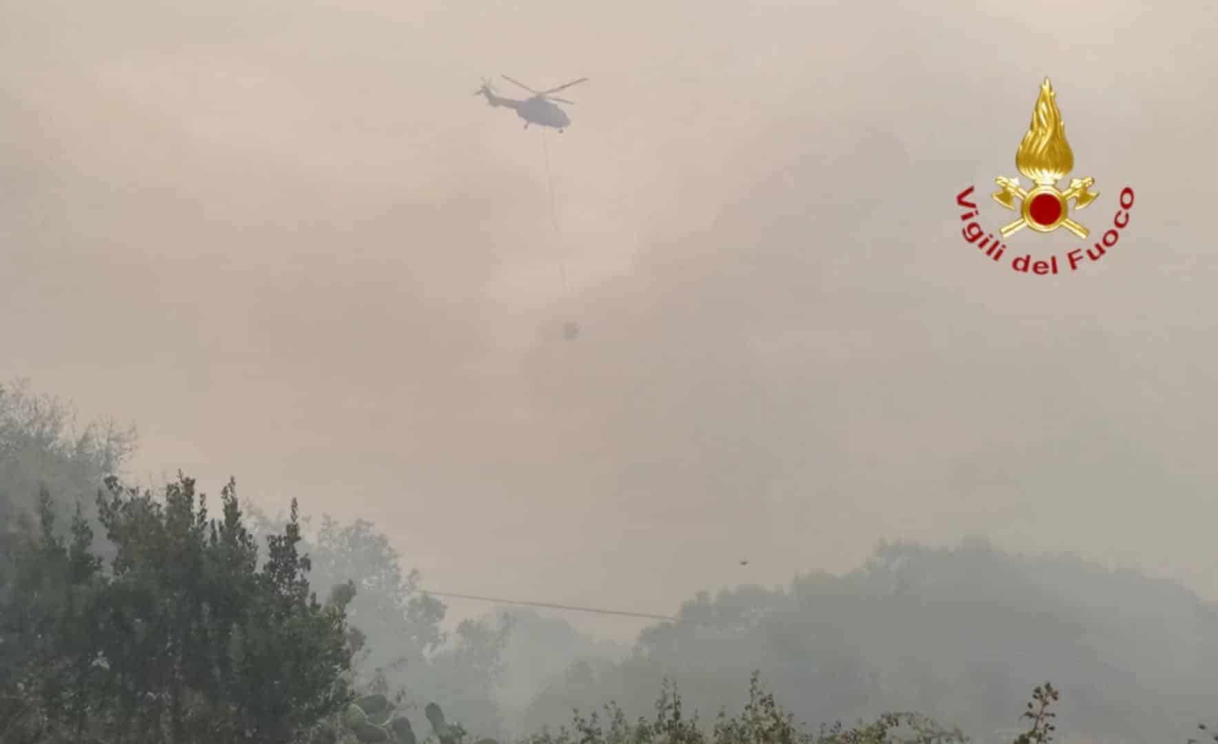 """Da Nello Musumeci a Legambiente: la Sicilia vicina alla Sardegna """"devastata"""" dagli incendi"""