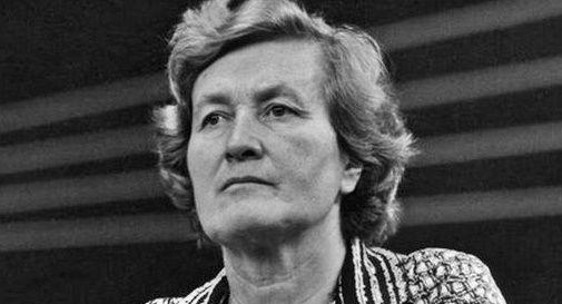 Tina Anselmi, prima donna italiana ministro: la lotta alle discriminazioni lavorative dalla legge del '77 in poi