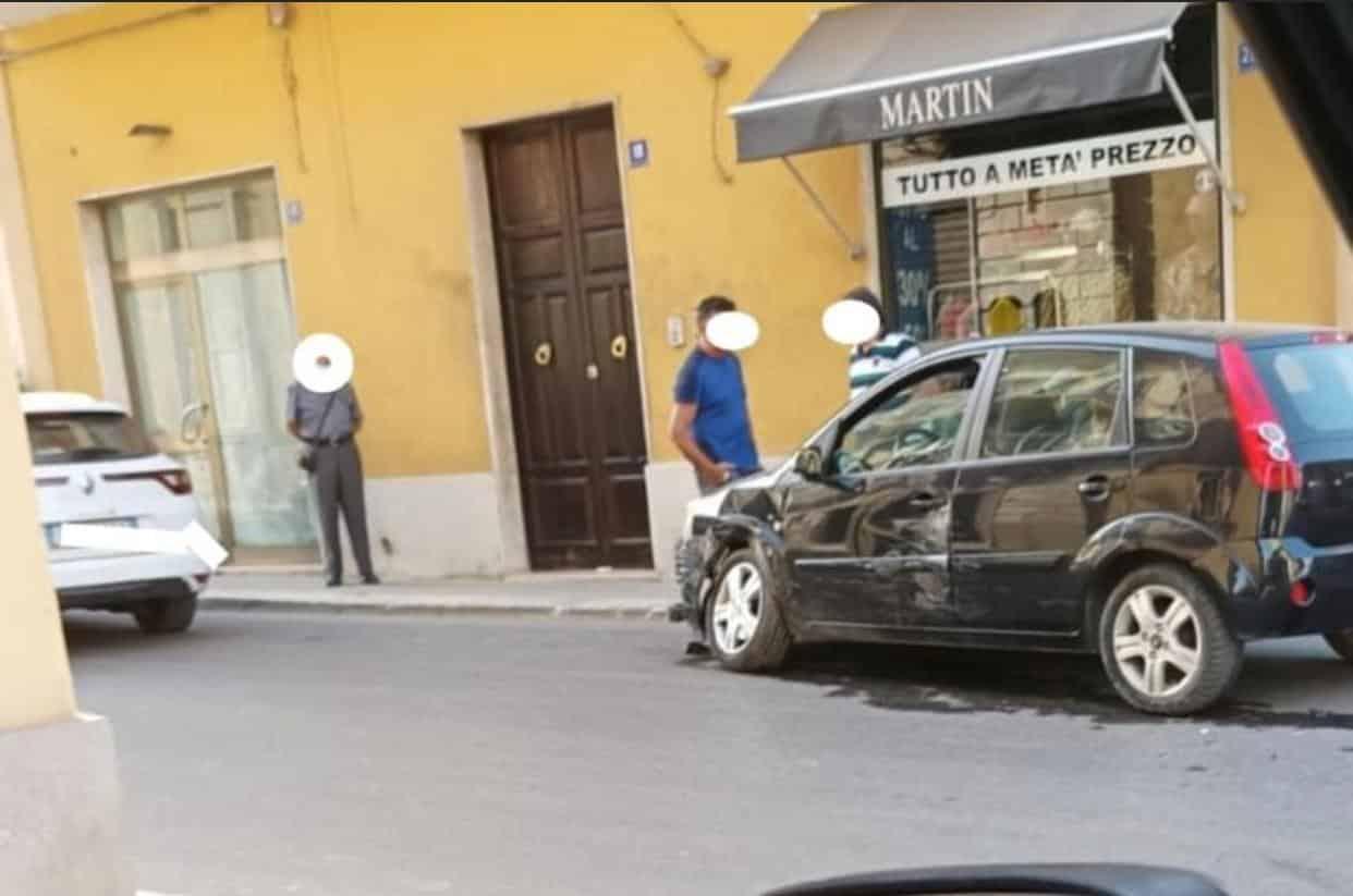 Pachino, scontro tra due auto: tanta paura ma nessun ferito