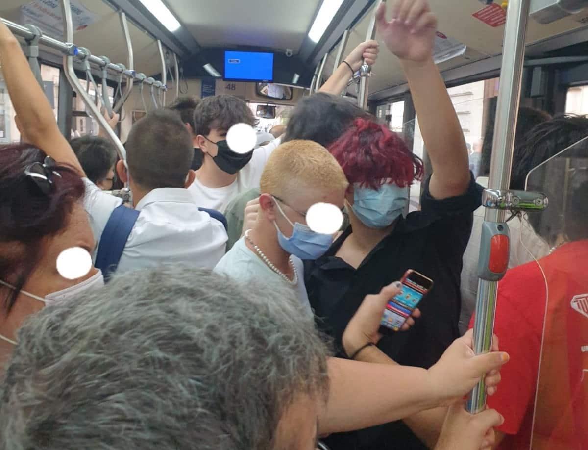 """Linea bus 534 Amts, disagi e corse ridotte verso Aci Castello. """"Si continua vergognosamente a viaggiare"""""""