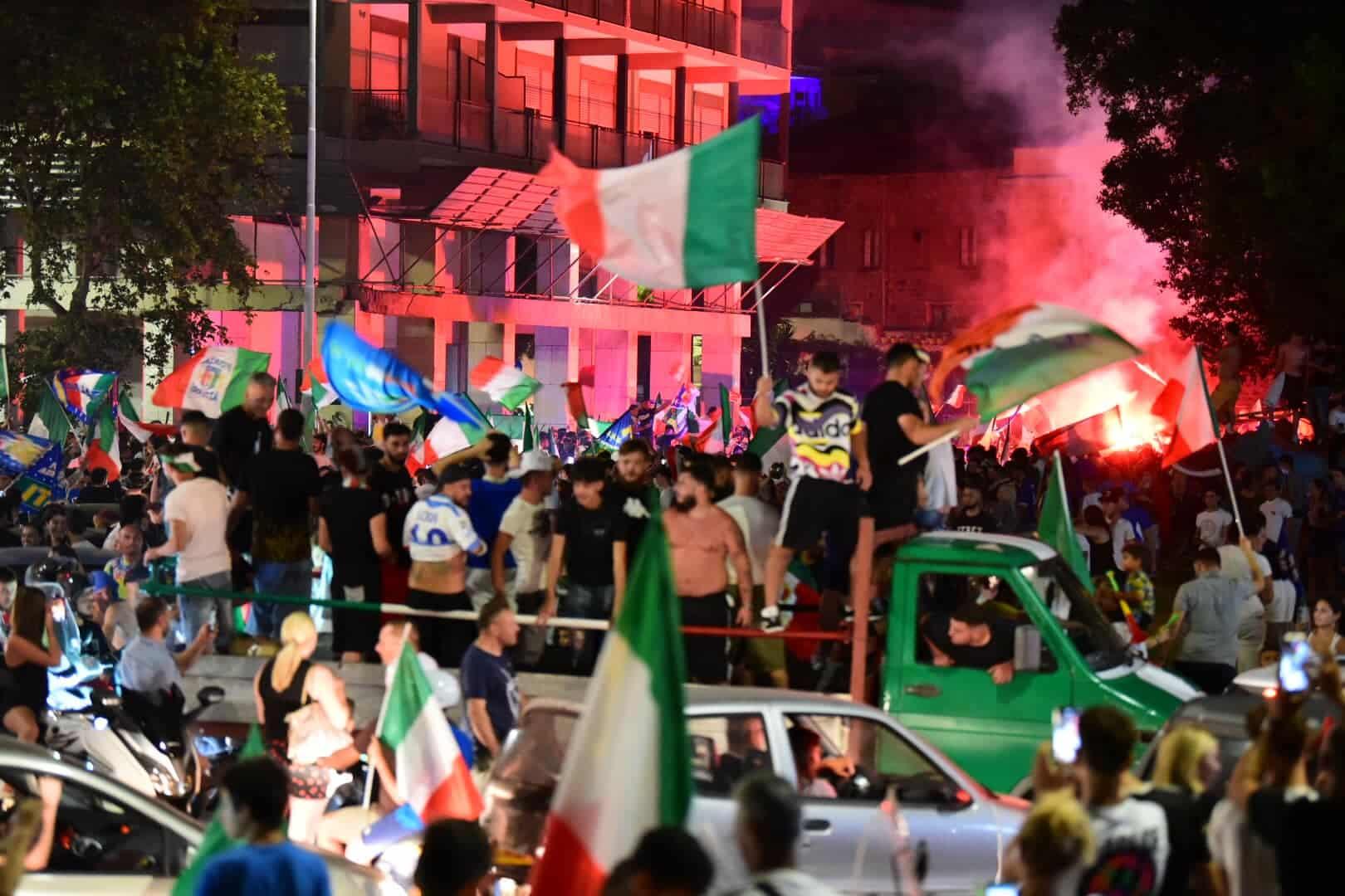 Italia Campione d'Europa, dal miracolo ai festeggiamenti: la Sicilia scende in strada, vede azzurro ma rischia giallo