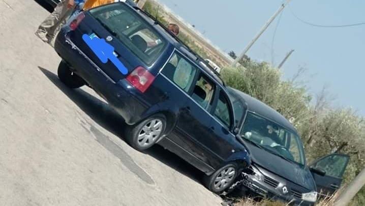 """""""Miracolo"""" lungo la SP 44, impatto frontale tra due auto: vetture danneggiate, conducenti illesi"""