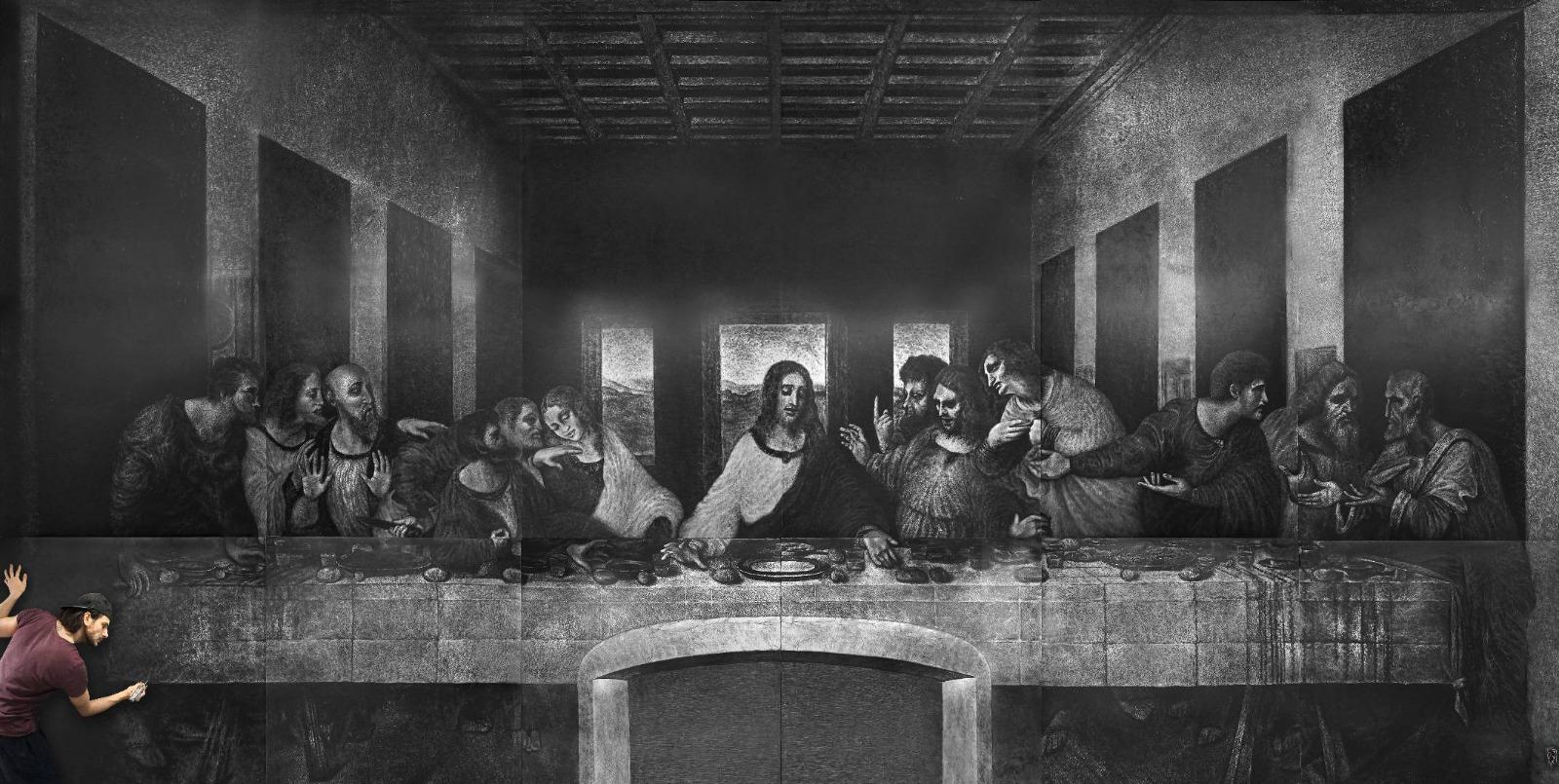 Ad Acireale la mostra di Francesco La Rosa, riprodotta l'Ultima cena di Da Vinci su tela in cuoio alta 4 metri