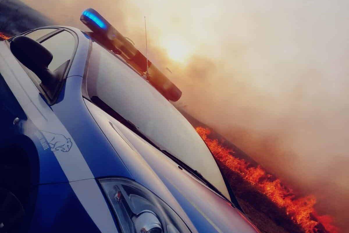 La paura, il fuoco, le fiamme: l'amore dei propri beni e l'idea di non lasciare le case. Incendi in Sicilia, il racconto giorni dopo