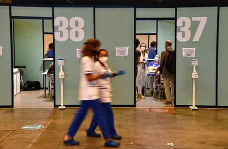 """Coronavirus Italia, in arrivo nuovo Decreto: Green Pass per trasporti, scattano le """"mini"""" zone rosse – DETTAGLI"""