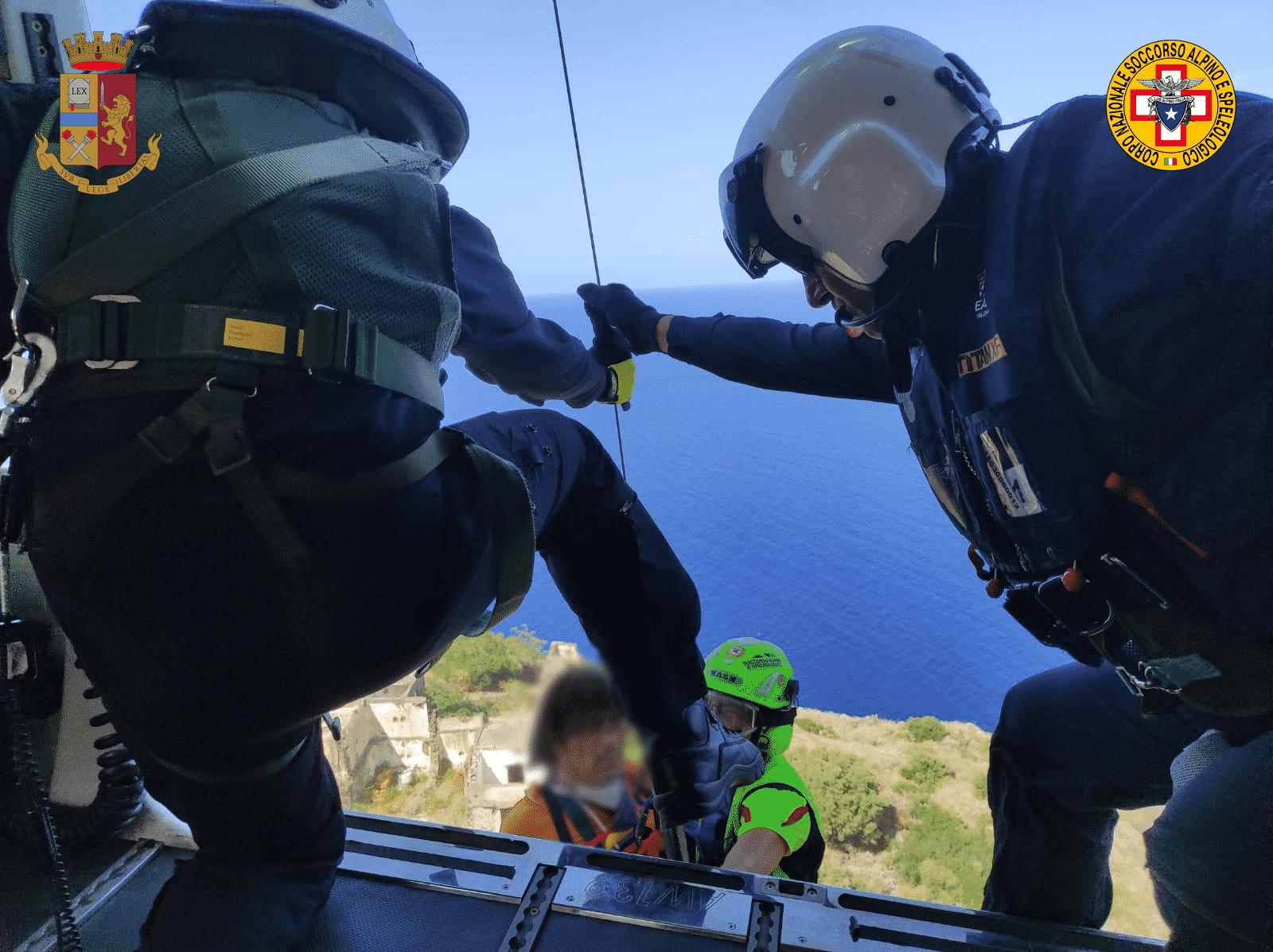 Turista ferito al braccio sull'isola di Filicudi, serve soccorso immediato: trasportato al Papardo