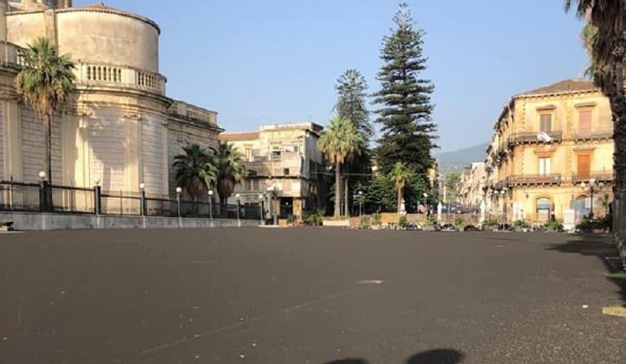 Pericolo cenere dell'Etna, limite di velocità e divieto di circolazione per i mezzi a due ruote nel Catanese