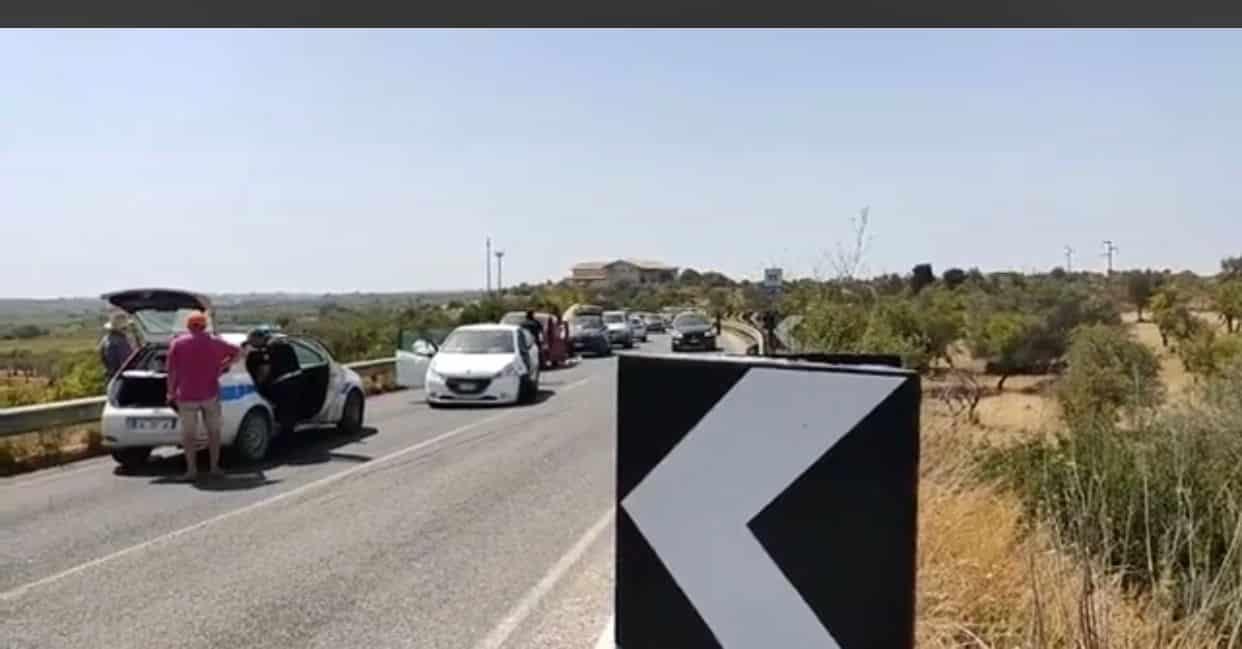 Maxi incidente sulla Noto-Pachino, 3 mezzi coinvolti: traffico in tilt, code chilometriche