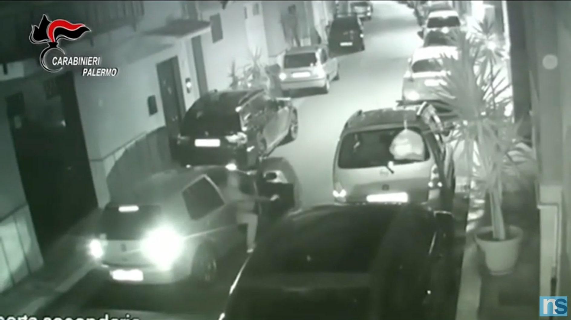 """Furti di mezzi ed estorsione con """"cavallo di ritorno"""": sgominata associazione, 10 arresti – VIDEO"""