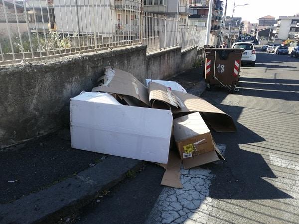 """Catania e la questione rifiuti, il comitato Romolo Murri lancia l'allarme: """"Basta un'altra scintilla per far ritornare i roghi"""""""