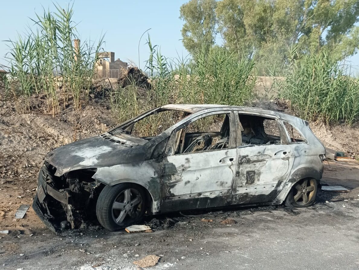 Auto in fiamme nel Ragusano, vigili del fuoco scongiurano il peggio – Le FOTO