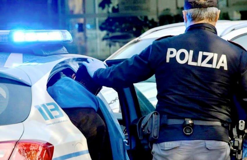 Spacca un bicchiere in testa al compagno della madre, arrestato trentenne