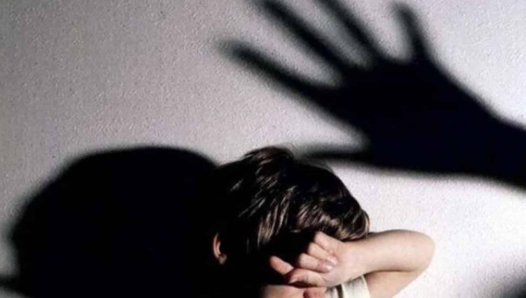 """Abusi sessuali su minori, Brigadiere e """"mister"""" allenava e violentava piccole leve: in carcere"""