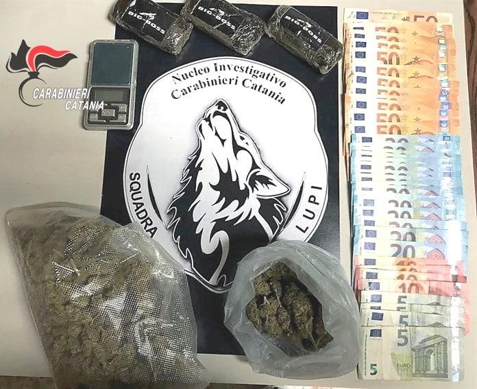 Era il punto di riferimento per i consumatori di droga a Barriera: un arresto in via Del Bosco