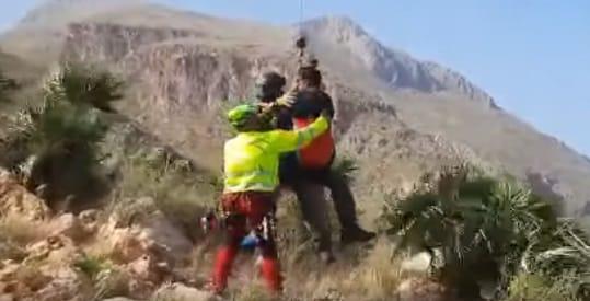 Un'escursionista precipita in un dirupo nella Riserva dello Zingaro: sul posto il Soccorso Alpino