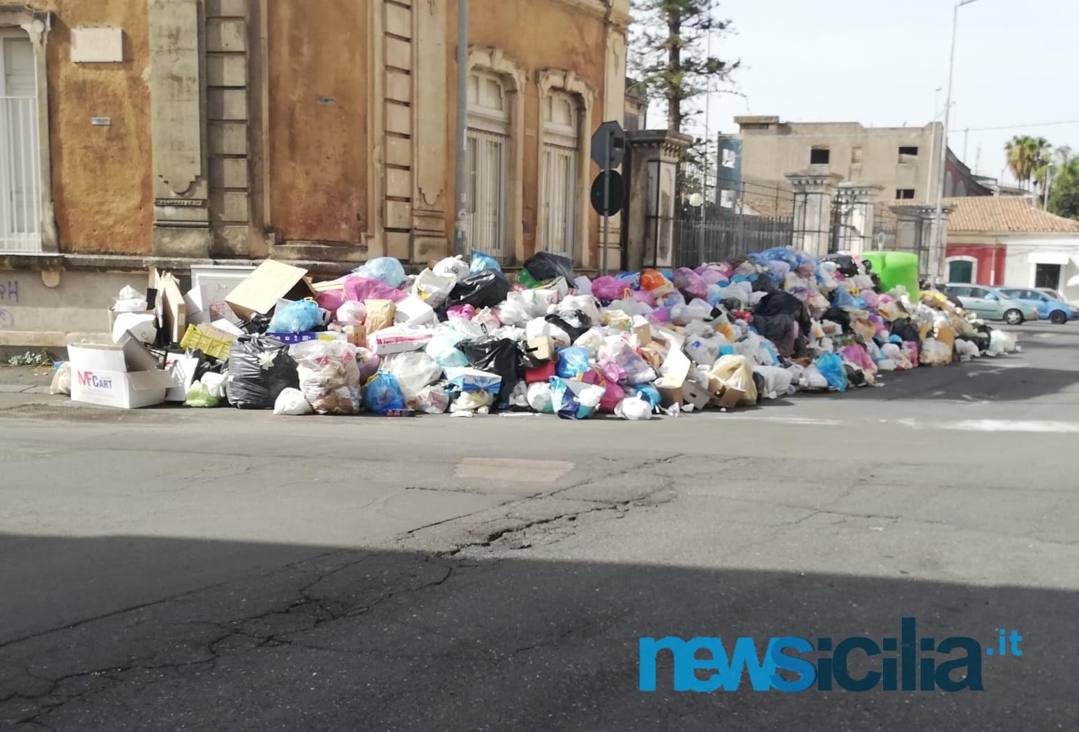 Emergenza rifiuti, la Regione porta l'immondizia di Catania a Palermo: firmato il decreto