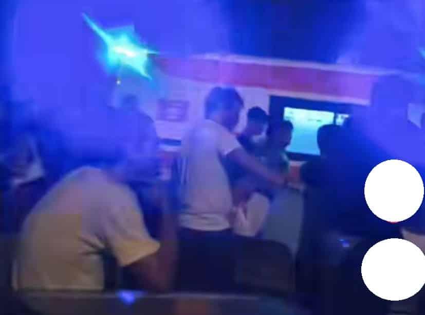 Catania, violenta rissa dietro la Pescheria: al pub volano sedie, sul posto anche le ambulanze – FOTO