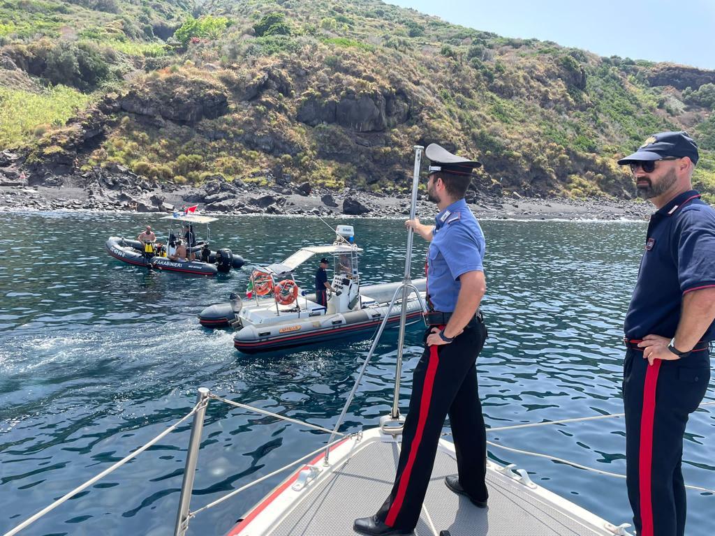 Continuano i controlli dell'Arma nei luoghi di maggior afflusso turistico: 144 denunciati, 33 in stato di arresto