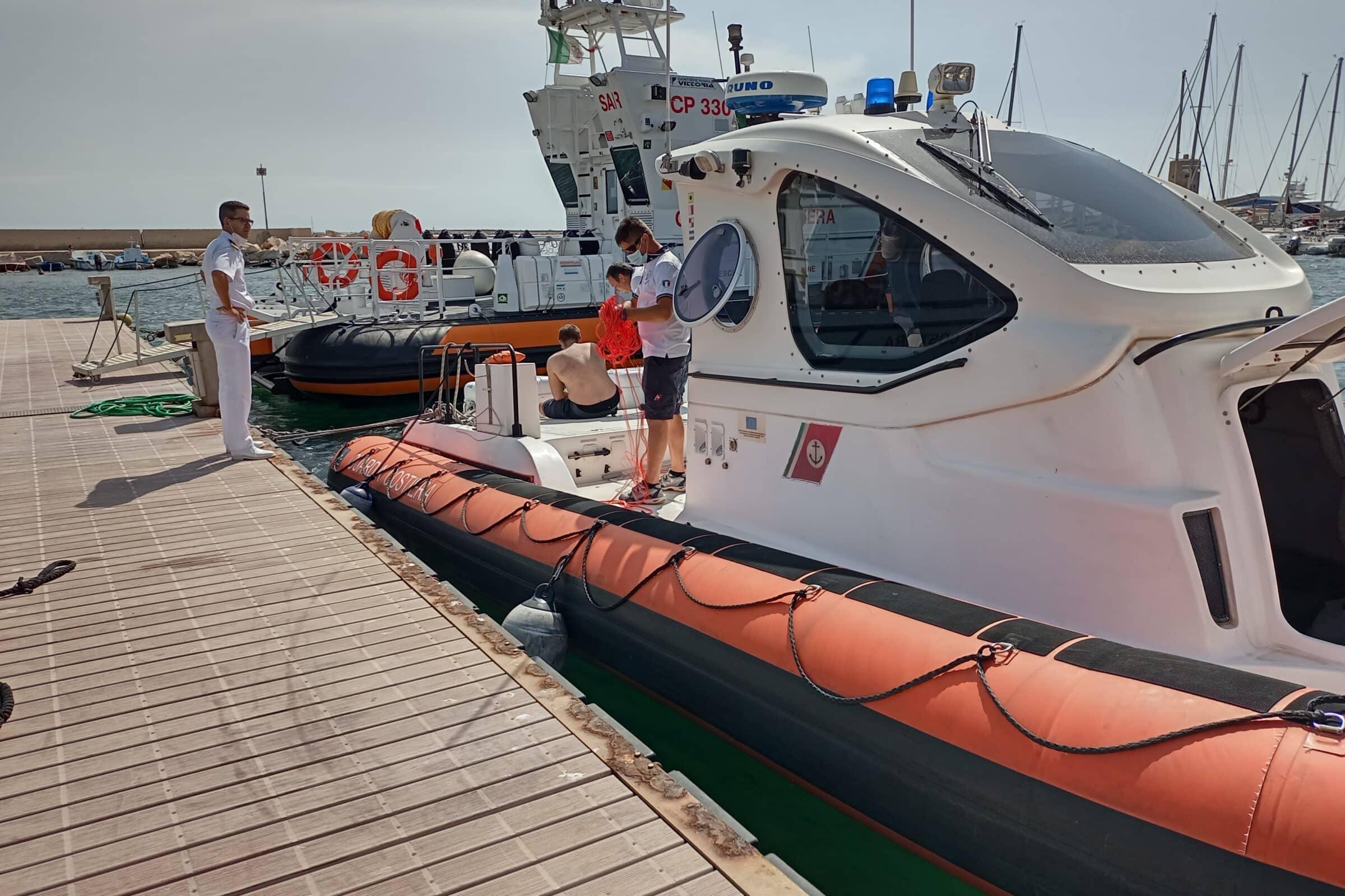 Weekend di interventi in mare, 13 persone e una imbarcazione a vela soccorsi