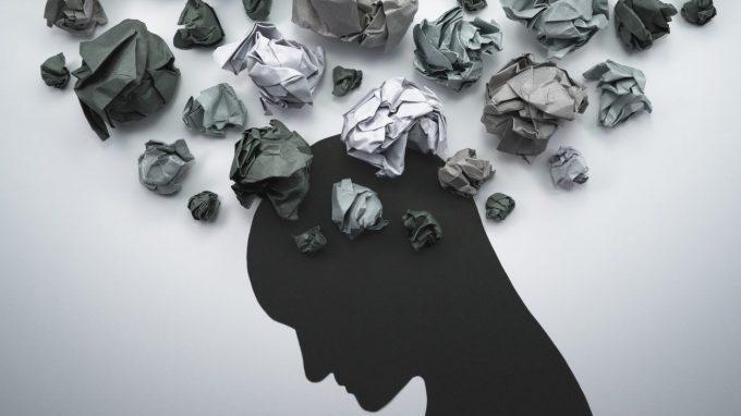 Prevenzione del suicidio, cosa scatta nella mente di chi decide di farla finita? Le risposte della psicologa