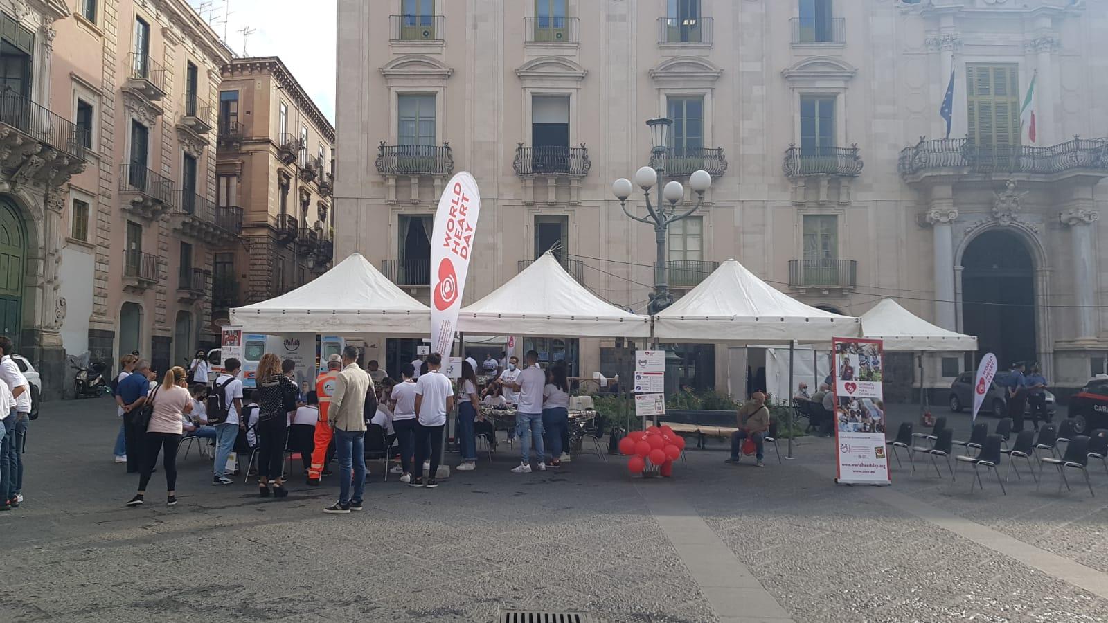 Giornata Mondiale del Cuore, grande successo a Catania: un minuto di silenzio per le vittime di Covid