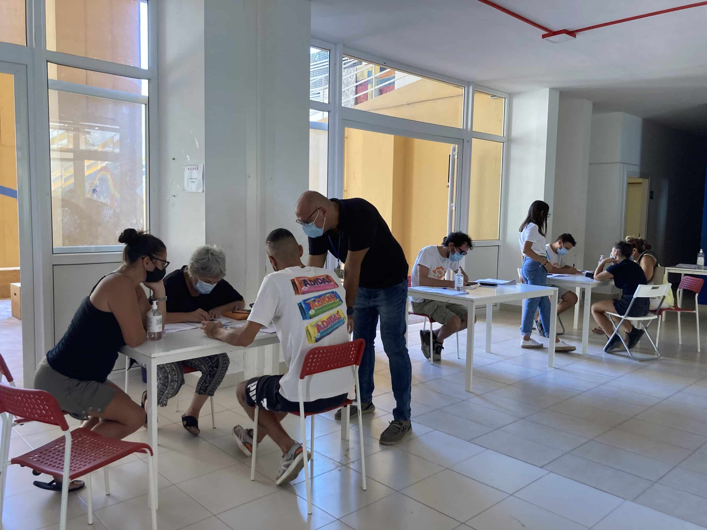 Palermo, prosegue la campagna VaccinInQuartiere: 150 immunizzati allo Zen