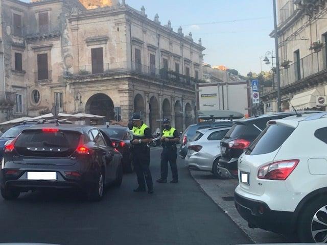 Molteplici controlli e sequestri, interventi serrati da parte della polizia locale e dei carabinieri