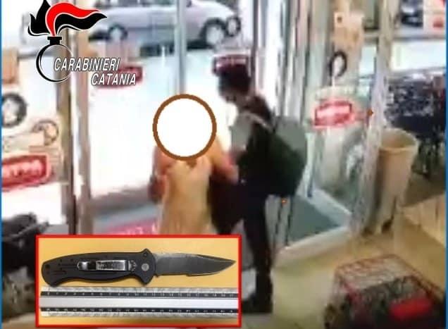 Furto al supermercato Decò, ladro tenta anche di accoltellare gli addetti alla sicurezza: arrestato