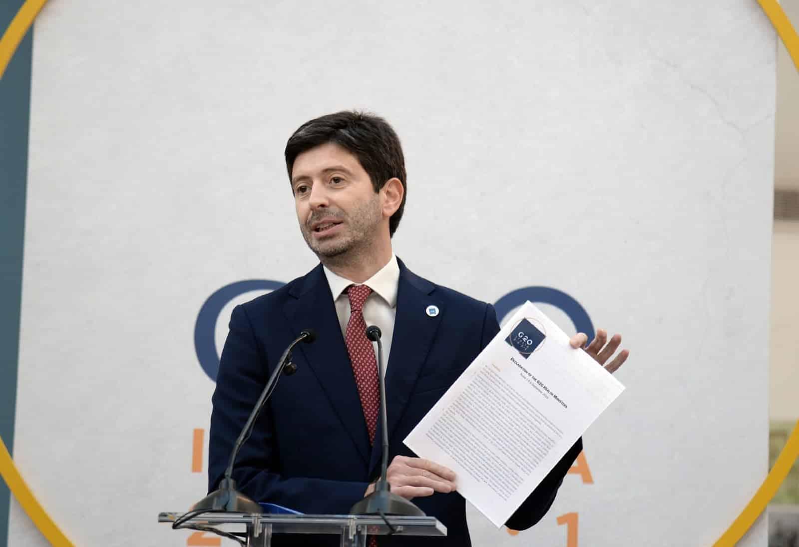 """Covid Italia, ministro Speranza: """"A settembre terza dose Pfizer"""", ecco da chi si inizia"""