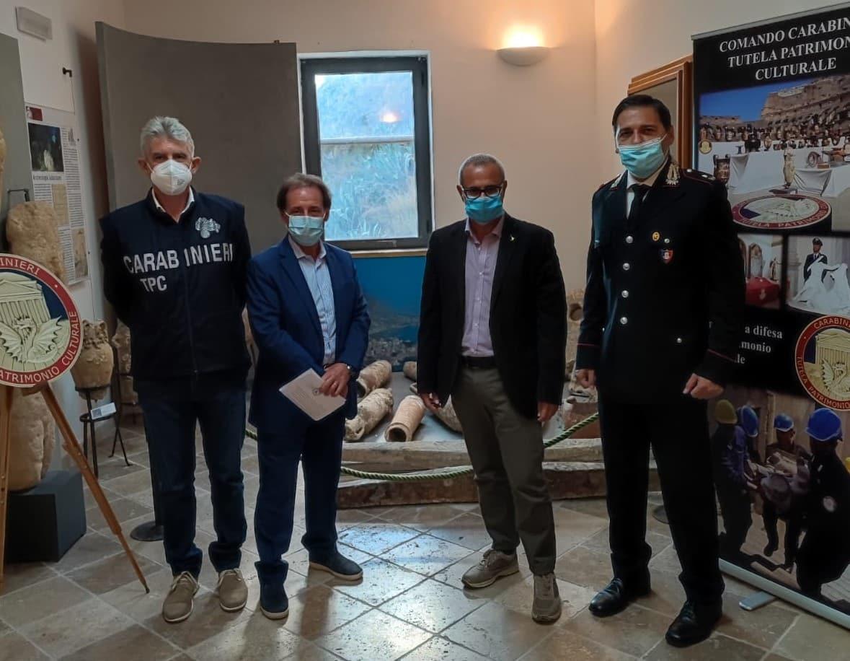 Museo Archeologico: consegnati oggi dai carabinieri quattro anfore e un reperto rubati