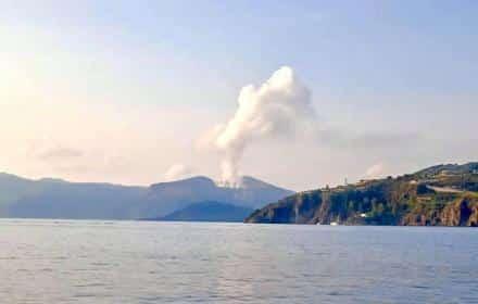 Paura a Vulcano, inalati i fumi emersi dal sottosuolo: gli animali stanno male, intervengono i carabinieri