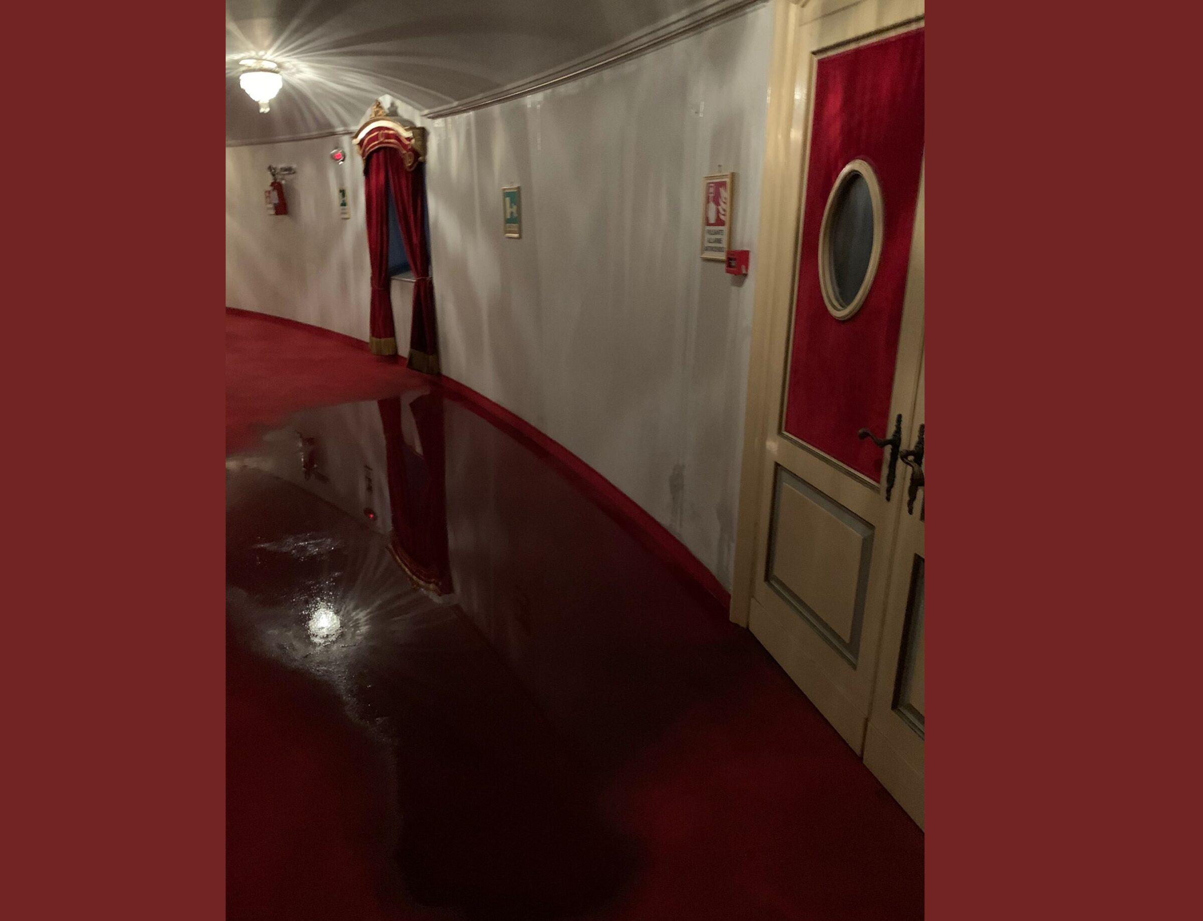 """Nubifragio a Catania, preso """"di mira"""" anche il Teatro Massimo Bellini: danni fuori e dentro – VIDEO"""