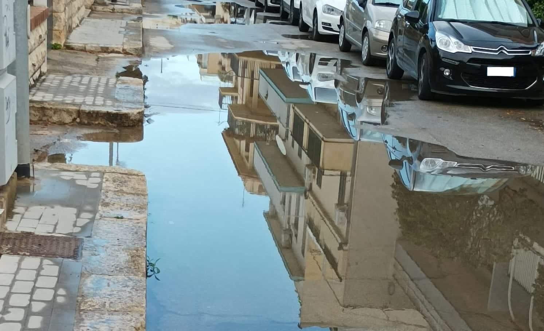 """Strade come laghi e acqua ristagnante nelle strade: """" Rete viaria di Ragusa carente"""""""