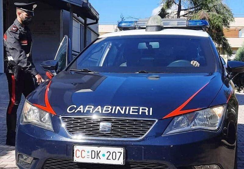 Furto e resistenza a pubblico ufficiale, nei guai due extracomunitari: l'operazione dei carabinieri