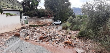 Forti piogge in Sicilia, rimossa a metà la frana di Partanna: tolti sassi e fango