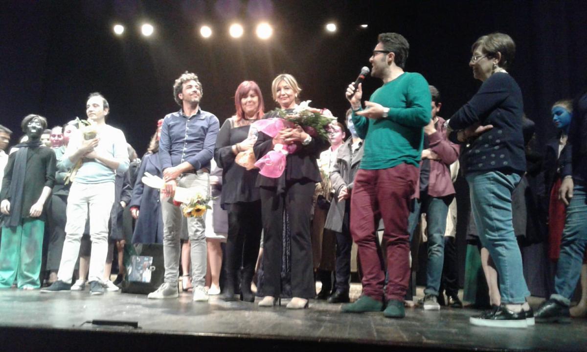 """Gli studenti del """"C. Marchesi"""" di Mascalucia protagonisti del domani. Sbarcano sul palco dello Stabile di Catania: """"Buona la prima"""""""
