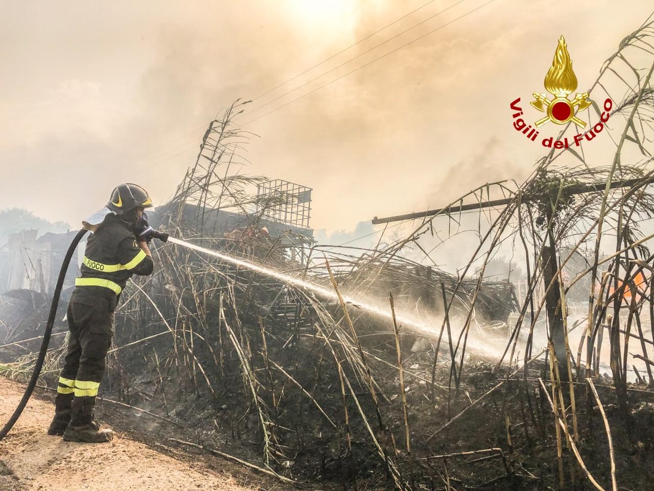 Santu Lussurgiu foto dei vigili del fuoco incendio (1)