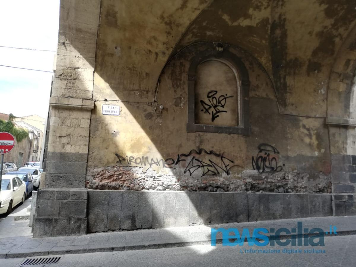 nuove scritte via crociferi (8)
